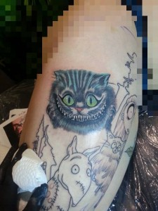 """'Chesire Cat' (Grinsekatze) aus """"Alice in .."""" tätowiert von unserer lieben Katinka"""