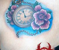 Uhr & Blüte, New School Tattoo