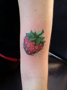 Farbenfrohe Erdbeere im New School Style von Katinka